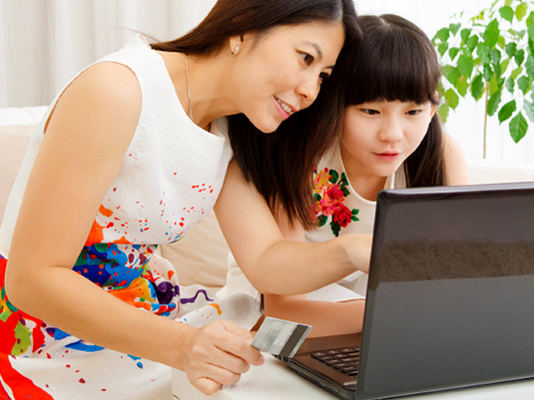 Parents can teach kids positive money management principles through various digital funds.